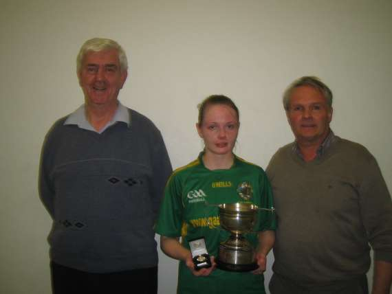 /photos/cache/kerry-handballers/brendan-o-conner-chairman-kerry-handball-maria-daly-and-her-father-tom-treasuer-kerry-handball-_w800.jpg