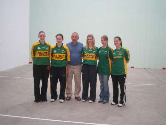 /photos/cache/kerry-handballers/picture-1-kerry-handball_w800.jpg