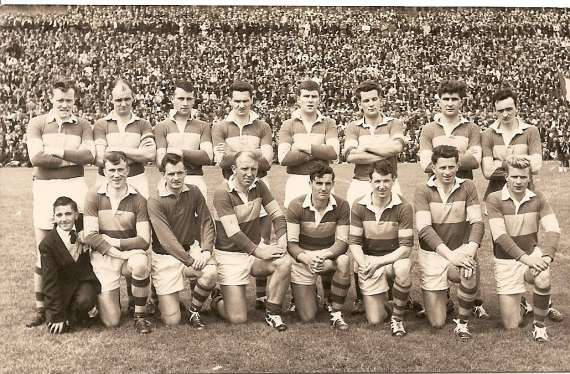 /photos/cache/kerry-teams/1963-munster-winners.-lost-semi-final-to-galway-1-7-0-8-front-l-bagman-leo-griffin_w800.jpg