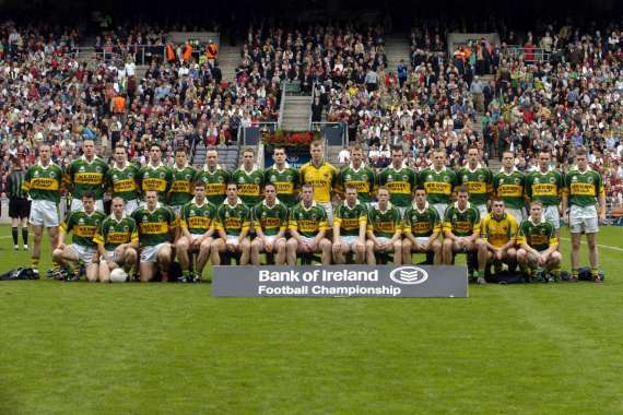 /photos/cache/kerry-teams/2004team_w800.jpg
