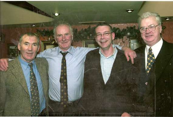 /photos/cache/terrace-talk-guests/man-united-hero-of-the-munich-air-crash-harry-gregg-on-terrace-talk-seamus-o-mahoney-r-and-paul-sheehan-radio-kerry1996_w800.jpg
