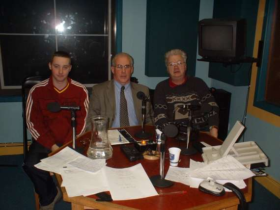/photos/cache/terrace-talk-guests/sean-walsh-centre-the-new-munster-council-chairman-with-seamus-o-magoney-radio-kerry-r-and-sound-engineer-brian-nammock-in-terrace-talk_w800.jpg